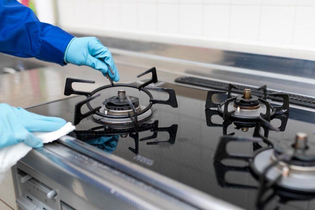 キッチンの汚れはハウスクリーニングが便利